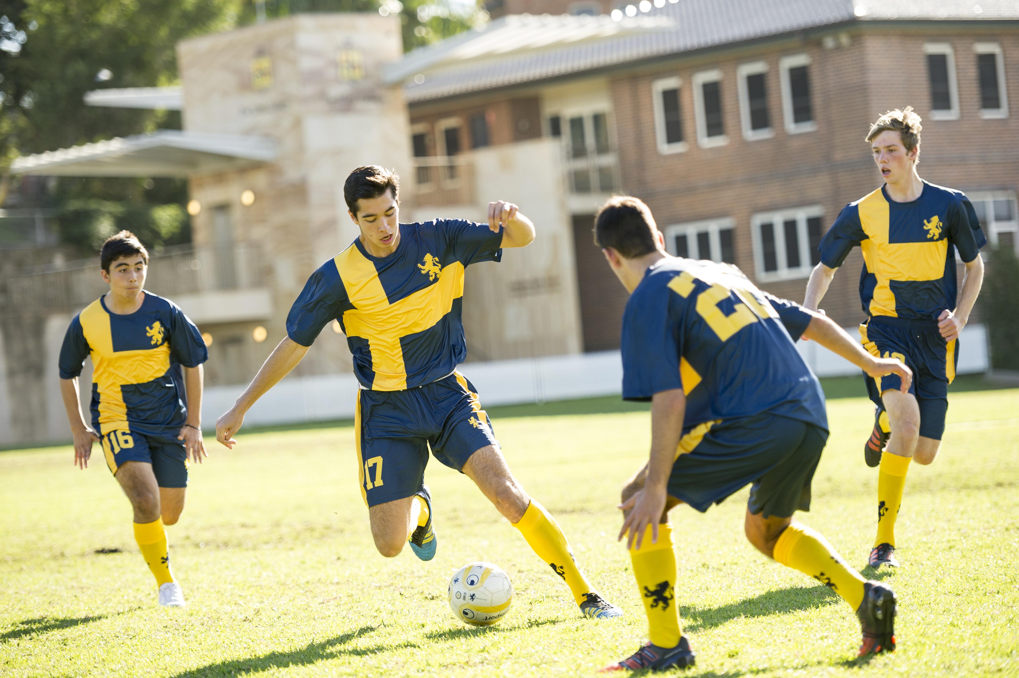 210113 Football for Aaron Averay GBlue_120511_D3s_3757_Lge (1).jpg